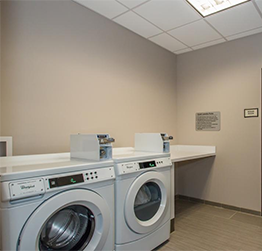Executive Inn Fort Worth -  Laundry Area