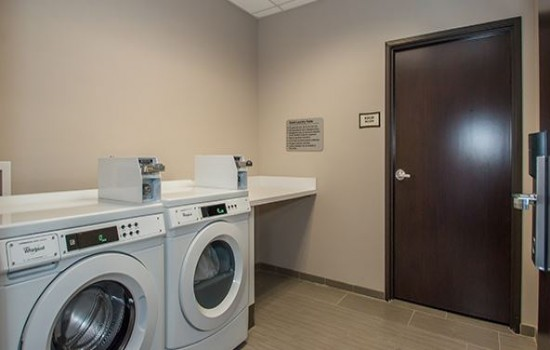 Executive Inn Fort Worth - Guest Laundry Facilities